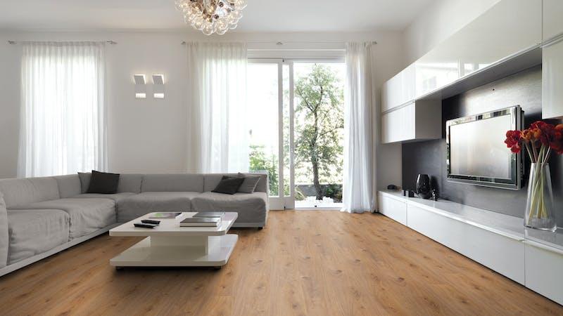 Laminat Kronotex Exquisit Prestige Eiche Hell Produktbild Wohnzimmer - Urban mit Wohnwand zoom