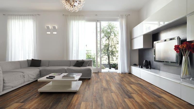 Laminat Kronotex Robusto Habour Oak Produktbild Wohnzimmer - Urban mit Wohnwand zoom