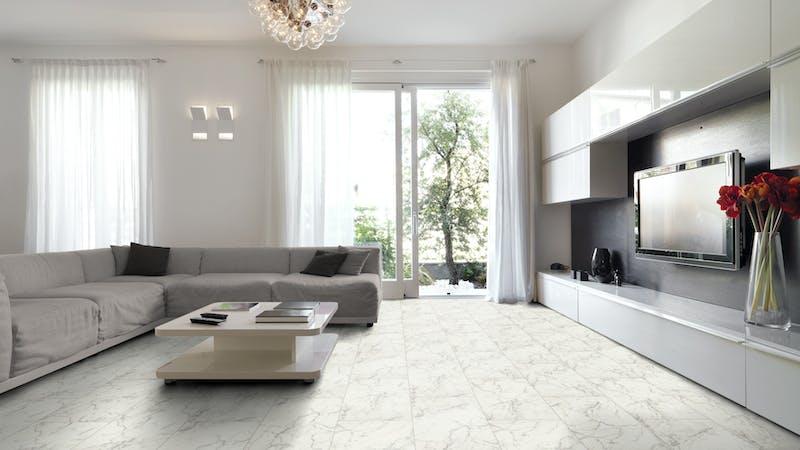 Laminat Falquon Glamour Carrara Marmor Produktbild Wohnzimmer - Urban mit Wohnwand zoom