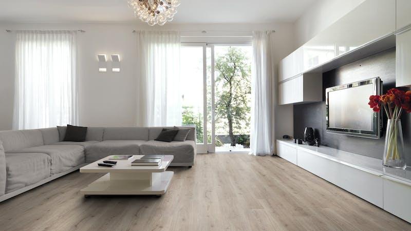 Laminat BoDomo Klassik Trend Oak Grau Produktbild Wohnzimmer - Urban mit Wohnwand zoom