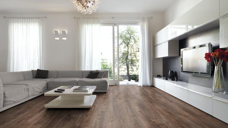 Laminat Kronotex Mammut Plus Makro Eiche Braun Produktbild Wohnzimmer - Urban mit Wohnwand zoom