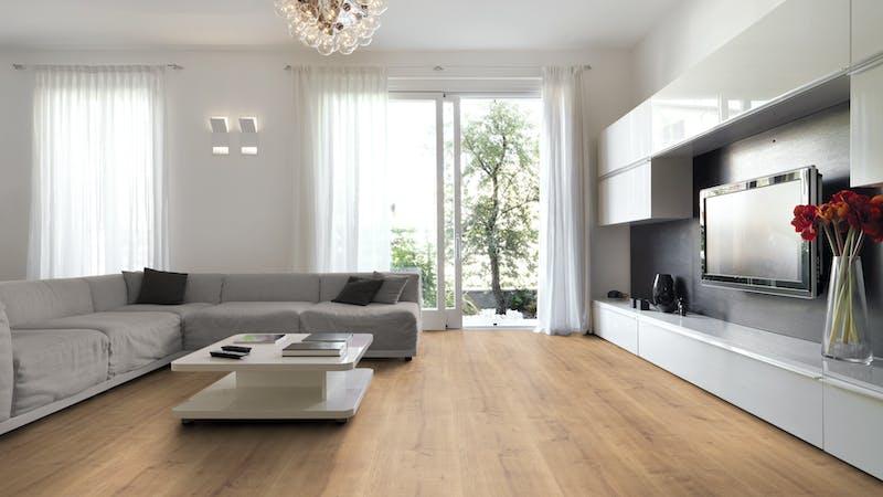 Laminat BoDomo Premium Schlossdiele Natur Produktbild Wohnzimmer - Urban mit Wohnwand zoom