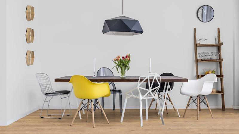 Laminat BoDomo Premium Schlossdiele Natur Produktbild Küche & Esszimmer - Modern mit Treppe zoom