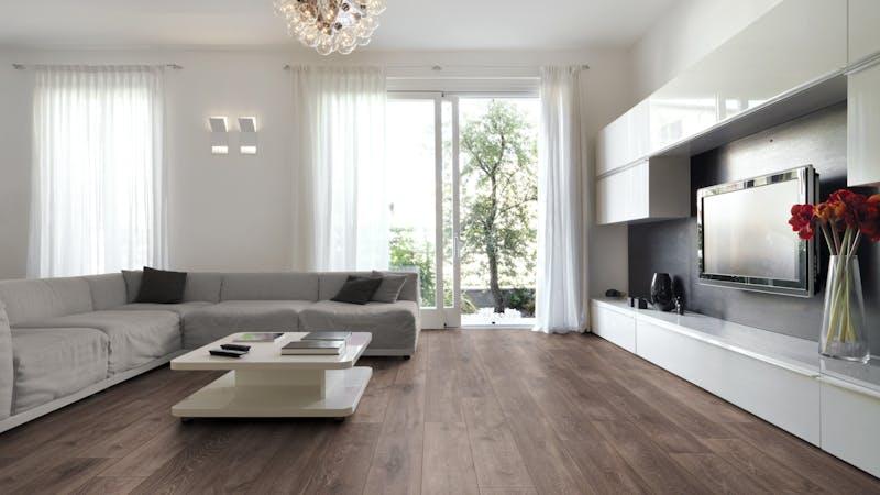 Laminat Kronoflooring MyArt Earthen Oak Produktbild Wohnzimmer - Urban mit Wohnwand zoom