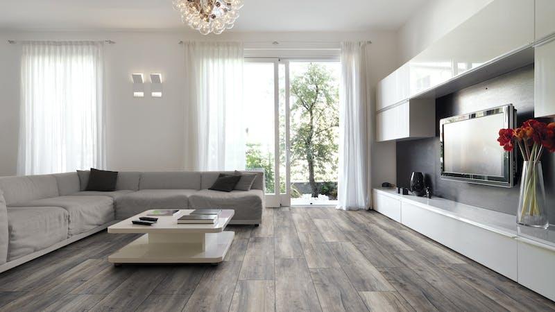 Laminat BoDomo Premium Port Eiche Grey Produktbild Wohnzimmer - Urban mit Wohnwand zoom