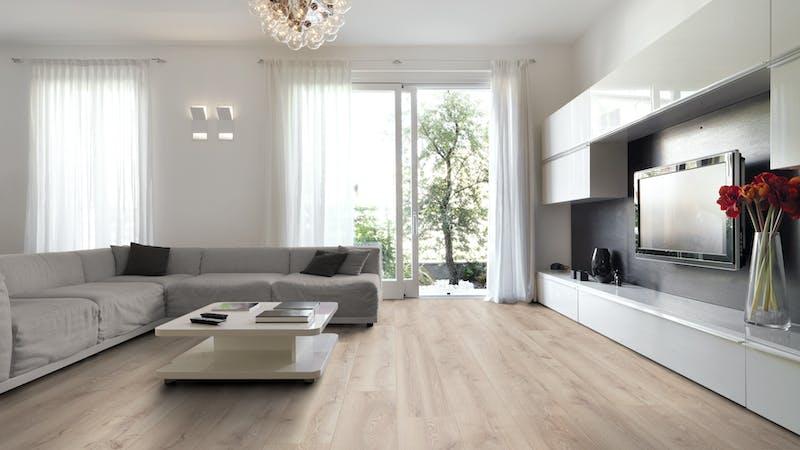 Laminat Kronotex Mammut Plus Berg Eiche Beige Produktbild Wohnzimmer - Urban mit Wohnwand zoom