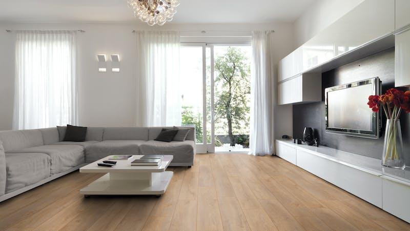 Laminat BoDomo Exquisit Eiche Klassik Natur Produktbild Wohnzimmer - Urban mit Wohnwand zoom