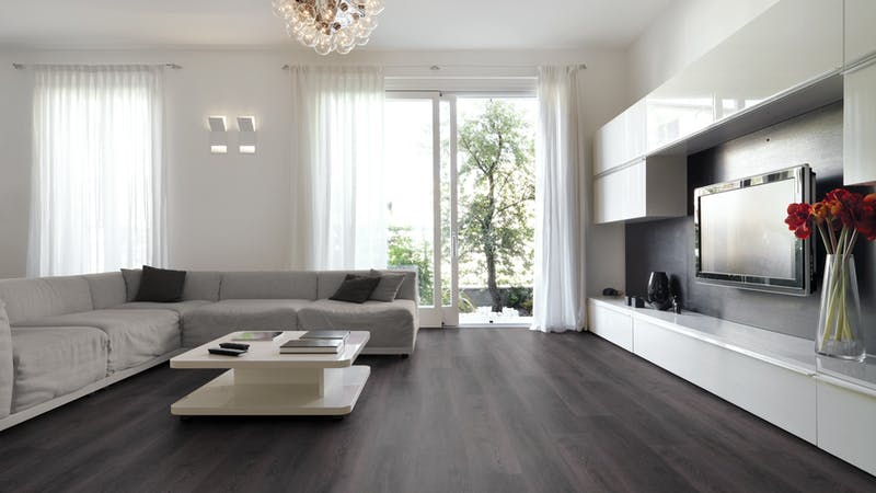 Rigid-Vinyl ohne integrierte Dämmung Windmöller wineo 600 #ModernPlace Produktbild Wohnzimmer - Urban mit Wohnwand zoom