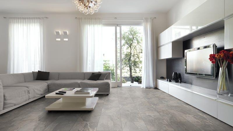 Laminat Kronoflooring O.R.C.A. Amazon Slate Produktbild Wohnzimmer - Urban mit Wohnwand zoom