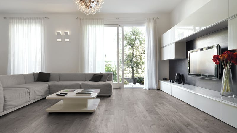 Laminat BoDomo Klassik Peau Oak Grey Produktbild Wohnzimmer - Urban mit Wohnwand zoom
