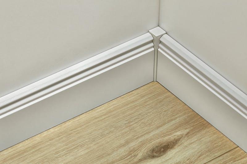Universeller Fußleistenabschluss Weiß - Höhe 61 mm Produktbild Badezimmer - Klassisch zoom